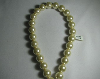 12 mm glass pearl strand