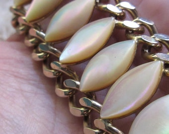 Vintage 1950's Mid Century Genuine Mother Of Pearl HEAVY Wide Chain Bracelet Vintage Costume Jewelry GORGEOUS