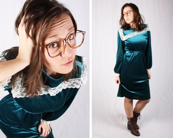 80s Green Velvet and Lace Dress  / Size Medium