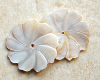 2 Pieces / 32mm Mother of Pearl 9 Petal Flower Beads with Center Drill Hole