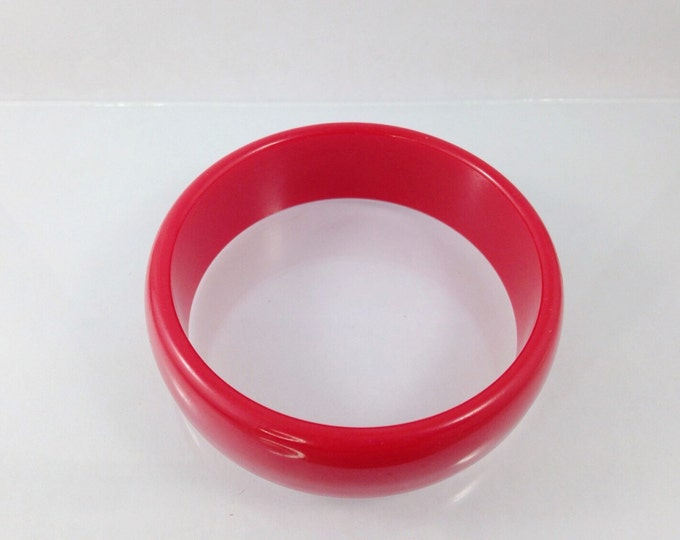 Vintage Cherry Red Plastic Bangle. Cool Red Celluloid Bracelet Bangle. Wide Chunky Bracelet. Red Plastic jewelry, cherries.