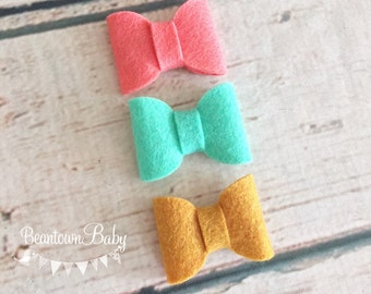 Coral Baby Bow. Mint Baby Bow. Mustard Baby Bow. Toddler Bow. Toddler Barrette. Piggytail Bows.  Pigtail Bows.  Pigtail Barrettes. Felt Bow