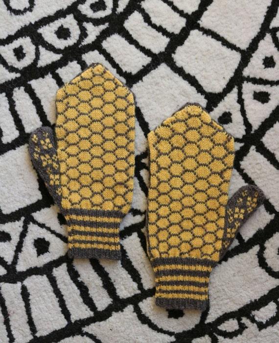 Funny Knitting Patterns : Hey bee otch mittens mitten pattern knitting