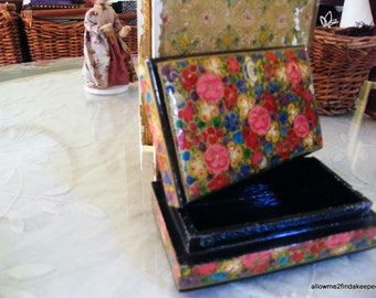 Paper mache small rectangular box with lid Chintz pattern black lacquer interior