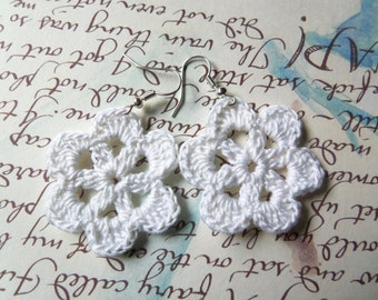 Handmade Crochet Flower Earrings. White 6-Petal Flowers.