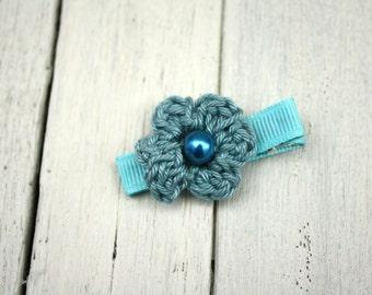 Crochet Flower Alligator Hair Clip in Sage Green