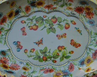 Strawberry Floral Bowl - Daher Tin - Made in England - Floral Tin Wall Hanging - Summer Porch Serving - Colorful Daisies - Tin Ware