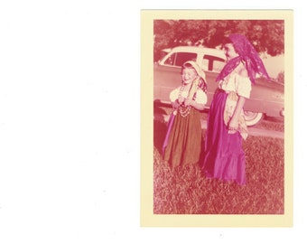 1950s BoHo found art photo vernacular photography social realism vintage Bohemian fashion Gypsy