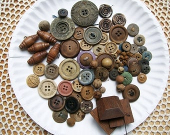 Vintage / Antique WOOD BUTTON LOT + Wood Look 79 Pieces Molded Toggle Tiny Dyed Media Art Craft Sewing Clothing
