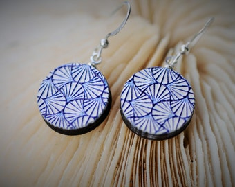 WOOD Dangle Earring - EMBOSSED Japanese White Fan ~ 16 mm - Women/Elegant/Modern