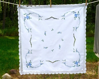 Small Embroidered Cotton Tablecloth// Crochet Edge// Vintage German// Charming