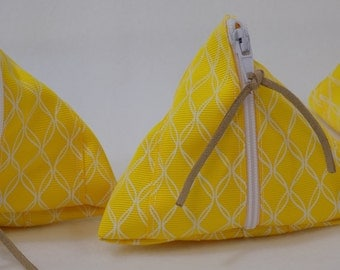 Ribbon Zipper Pouch
