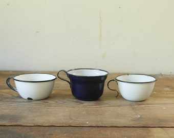 Vintage Enamel Granite Ware Cups Farmhouse Kitchen Scoops