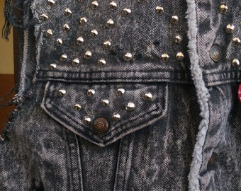 DIY Studded, Black Acid Washed Denim LEVI'S Vest Size Medium