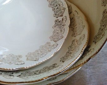 4 Royal Swan Cereal Bowls Made in England with Pretty Filigree Pattern