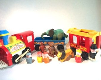 Vintage Fisher Price Circus Train 991 Three Car Train With Animals and Fisher Price Little People