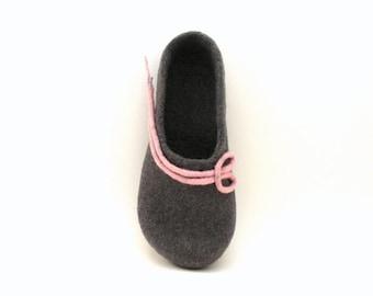 Felted wool slippers -  handmade wool clogs - grey pink felt slipper - made to order - autumn winter fashion - Wedding gift
