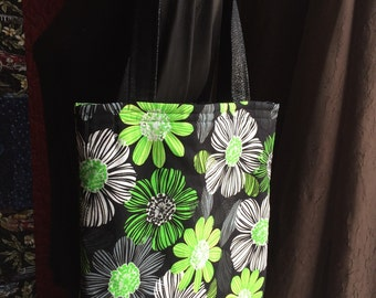 Trendy Tote in cool shades!