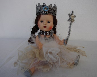 1950's Sarold Christmas fairy doll 7.5'' in silver glitter,lace,tulle clothes-open & close blue eyes-brunette