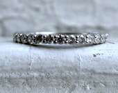 Sparkly Vintage 18K White Gold Diamond Shared Prong Set Wedding Band - 0.63ct.