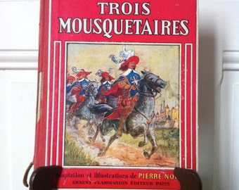 Three Musketeers book. Vintage French illustrated book