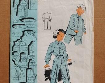 Vintage French Unused Sealed Sewing Pattern 1940's Patron Modèle Child's pyjamas pajamas 2 - 4 years -#100624
