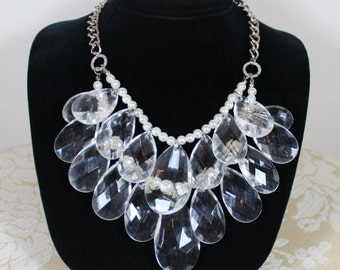 Vintage 80's Chunky Clear Drop Beads Pearl Bib Statement Necklace