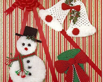 Holiday Trio Three Easy To Do Macrame Frame Projects Pattern Mac 711-79