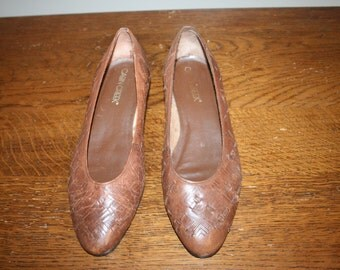 Size 7,Southwestern Flats,leather flats,size 7 shoes,size 7 womens shoes,leather slip ons,womens shoes,flats 7,size 7 flats,leather flats