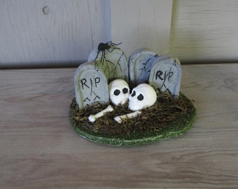 vintage Halloween decoration skull skeleton grave headstone spider RIP