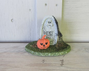 vintage Halloween decoration pumpkin jack o lantern grave headstone spider Rest in Peace