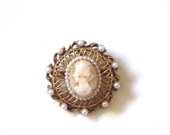 Vintage Florenza Gold Filigree Carved Cameo Brooch Seed Pearl Accents Pendant