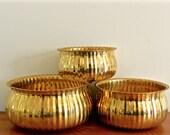 Vintage Brass Bowl Set Three Nesting Bowls Planters Gold Ribbed Shiny Polished Brass Bowls Global Boho Chic holiday Decor
