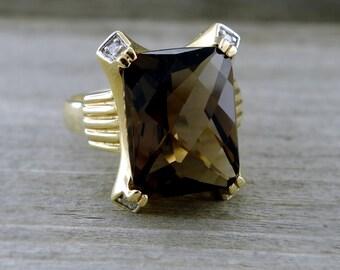 Vintage Quartz and Diamond 14kt Yellow Gold Ring
