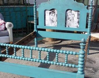 Blue Spindle Marilyn Monroe Hepburn Full Size Headboard and Footboard