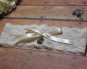 Garter, Wedding Garter, Ivory Garter, I Do garter, Garter with charm, Wedding, Toss Garter, Keepsake Garter, Brides Garter, Bridal Garter