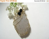 20% OFF Natural Agate Druzy Wire Wrapped using 14kgf, sparkling champagne color (w12961)