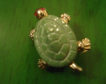 Vintage 1960s Green Sweet Turtle & Gold Small Pendant