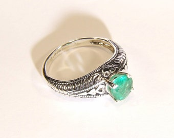 Emerald (6.0mm Transparent Genuine Emerald), 0.90 Carat, Round Cut, Art Deco Revival Style Sterling Silver Ring
