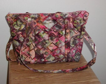 Quilted, footed, batik shoulder bag