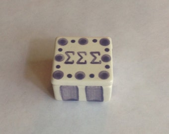 Sigma Sigma Sigma Square Dot Pin Box