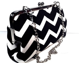 Black  and White Chevron/Zigzag Purse Bag 8 X 5 X 2.5 w/ 20 inches Silver Chain Handle