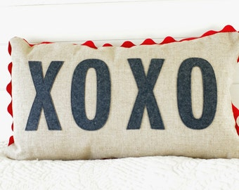 Valentine Pillow Cover, XOXO, Hugs and Kisses, 12x20, Charcoal felt on Natural Linen, Red ric rac trim, Weddings