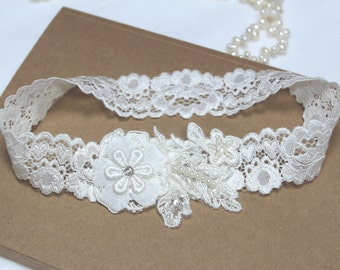 Ivory lace garter, wedding bridal garter, lace garter, wedding garter belt, bridal garter, ivory garter, tossing garter