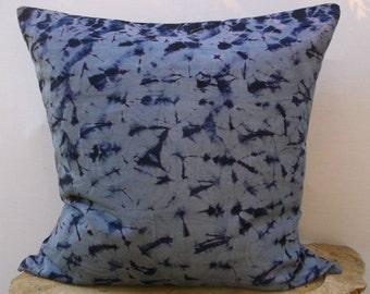ON SALE - Hand Tie dyed Shibori Pillow Cover, Shibori Tie dye,Cotton,  Gray/Indigo, Throw pillow cover, Home decor
