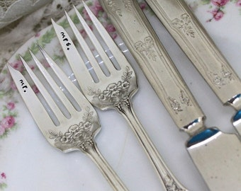 Mr. & Mrs. Forks WEDDING 4 Piece Set Hand Stamped Forks and Knives Cake Table Setting Wedding Decor - Trumpet Vine 1912