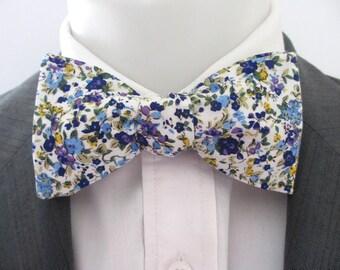 Men's bowtie  ~ Bight blue floral design   ~ neoud ~ papillion ~tie ~wedding bowtie