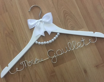MRS AUDREY HANGER, gorgeous pearl necklace detail to compliment any classic dress for your wedding day pictures.