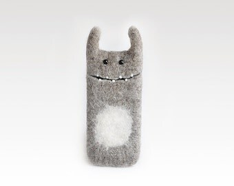 iPhone 6 case felt, gray beige color, handmade, monster iphone case, ready to ship