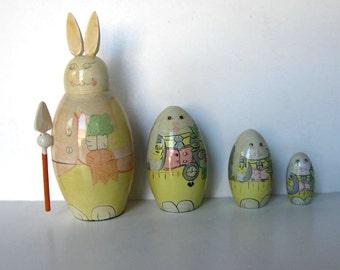 Vintage Bunny Nesting Dolls, 4 wood rabbits, Vintage Toy, Easter Decoration, Home Decor